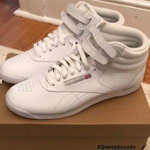 NIB Reebok Hi top classic white. Size 8.5
